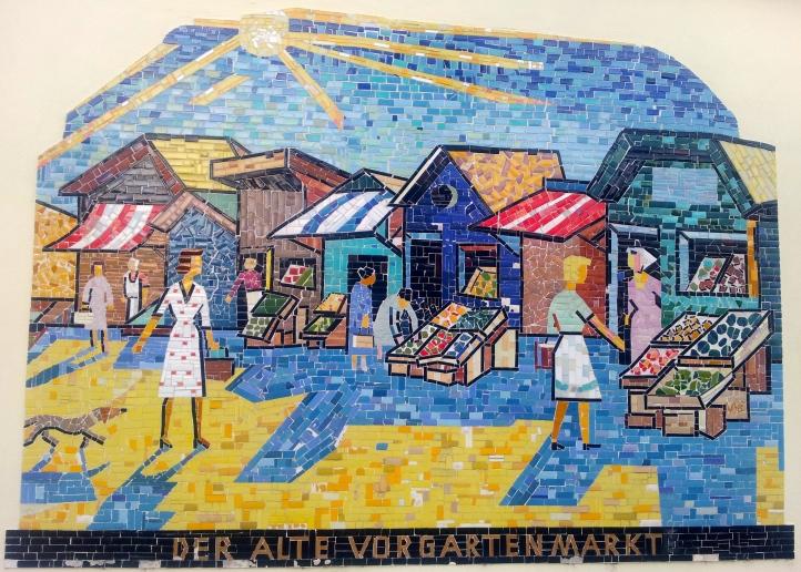 Geschichte Wandmosaik Der alte Vorgartenmarkt